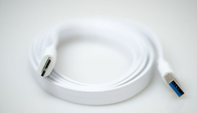 wpid8930-Inateck-7-Port-Portable-USB3.0-Hub-38-COPYRIGHT-HAVECAMERAWILLTRAVEL.COM_.jpg