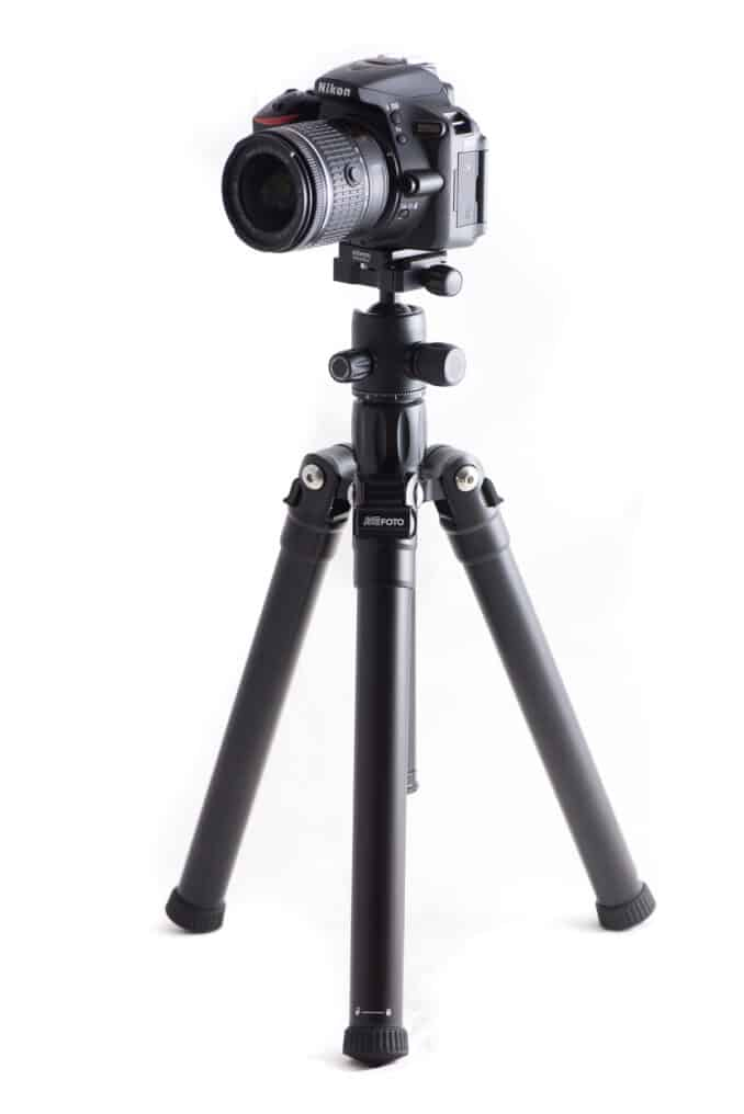 MeFOTO Globetrotter Air Tripod with Nikon D5500 Camera