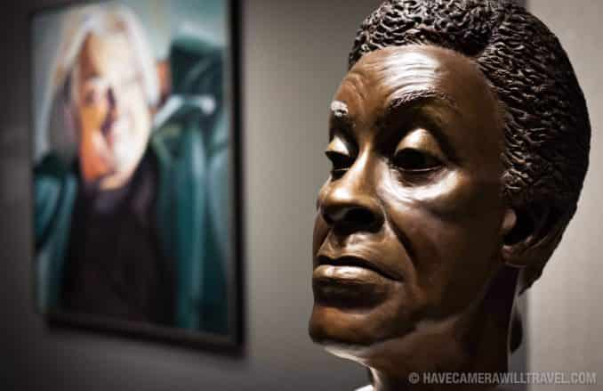 Gwendolyn Brooks bronze bust in Smithsonian American Art Museum