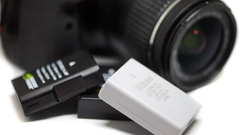 Nikon D3400 Batteries and Chargers