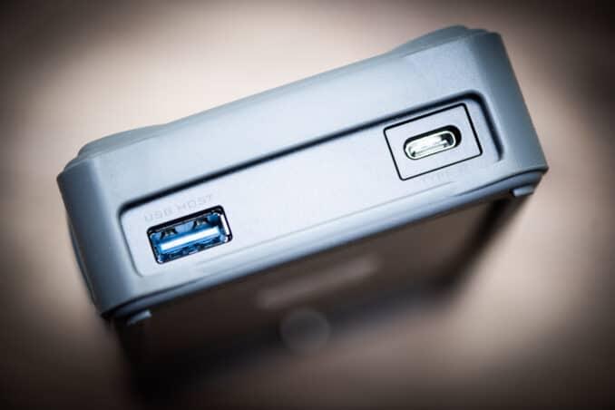 NextoDI NPS-10 Portable Memory Card Backup and Storage